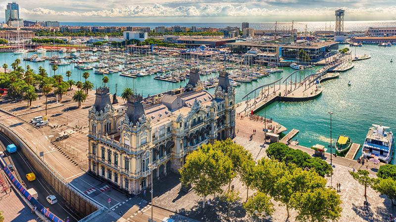 Barcelona_Hafen-©-AdobeStock,-marcorubino