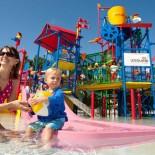 Kind im Wasserpark Legoland