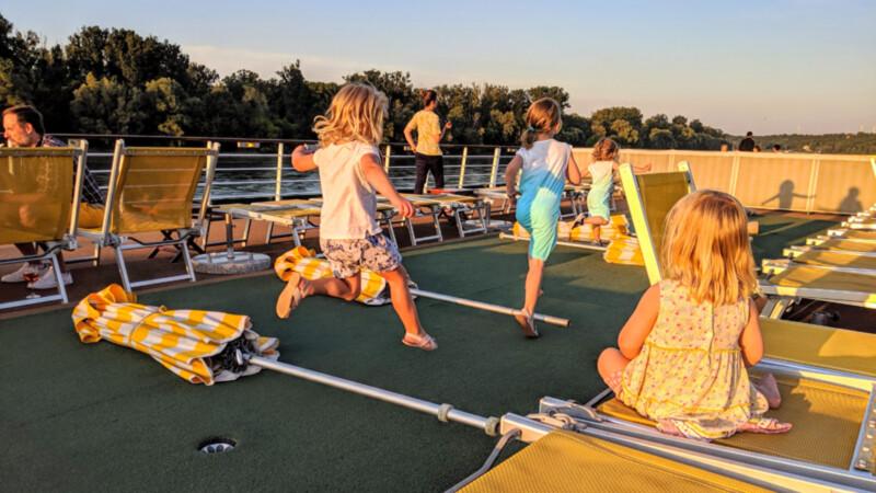 A-ROSA-Spielende Kids auf dem Sonnendeck © Foto: Thomas Weiß