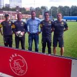 AIDA Fussball Camp: Ajax Amsterdam;Trainer vom BVB mit Alfred Nijhuis; Bild: AIDA Sven Ehricht