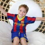 Alpenrose, Leermoos: Kind in der Lobby; Bild: Andrea Fischer www.trips4kids.de