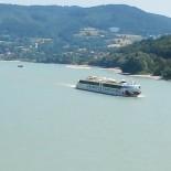 A-Rosa Flusskreuzfahrt: Donau mit Aussicht; Bild: S.Vodicka