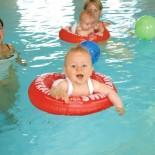 Baby-Schwimmen Hotel Post in Unken