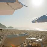 Belmond Copacabana Palace Hotel - Liegen direkt am Beach; Bild PR Copacabana Palace