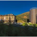 Hotel Cristallo: Außenansicht im Sommer; Bild: PR Hotel Cristallo