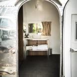 Camper Hotel Daniel - Blick durch die Tür