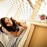 Mädchen auf Hochbett