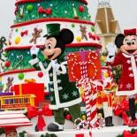Magic Circus Hotel Paris - Chrismas Parade mit Mickey in Disneyland