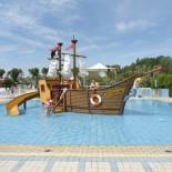 Eurocamp - Piratenschiff auf Campingplatz