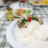 Chiemsee: Fraueninsel; Brotzeit im Gasthof zur Linde, Bild: Sandra Mueller-Hofner