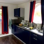 Maritim: Küche im Hausboot