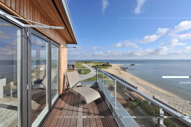 strandhotel holland luxus luxus strandhotel sardinien. Black Bedroom Furniture Sets. Home Design Ideas