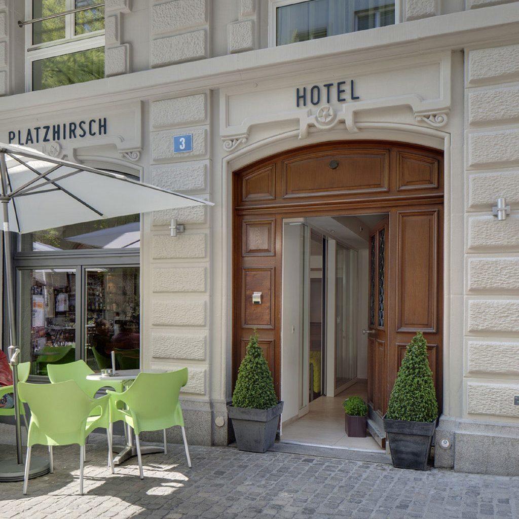 Hotel_Platzhirsch_Hoteleingang.Bild@HotelPlatzhirsch.jpg