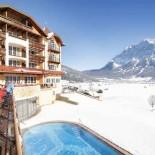 Ehrwald: Hotel Post Winteransicht Zugspitze; Bild: PR Hotel Post