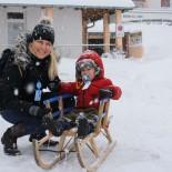 Mami und Jan im Schnee