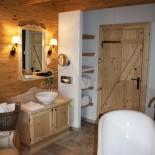 INN's Holz Chalet - Badezimmer