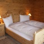 INN's Holz Chalet - Zimmer von innen