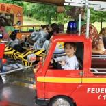 Paul im Feuerwehrwagen, Karusell Skyline-Park