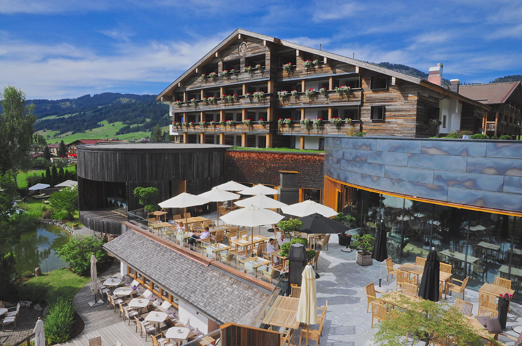Hotel jungbrunn tannheimer tal trips4kids for Designhotel tannheimer tal