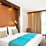 Motel-One Edinburgh Room