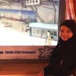 Wie im Skiurlaub: Vom Restaurant schaut Paul direkt auf die Skipiste ...