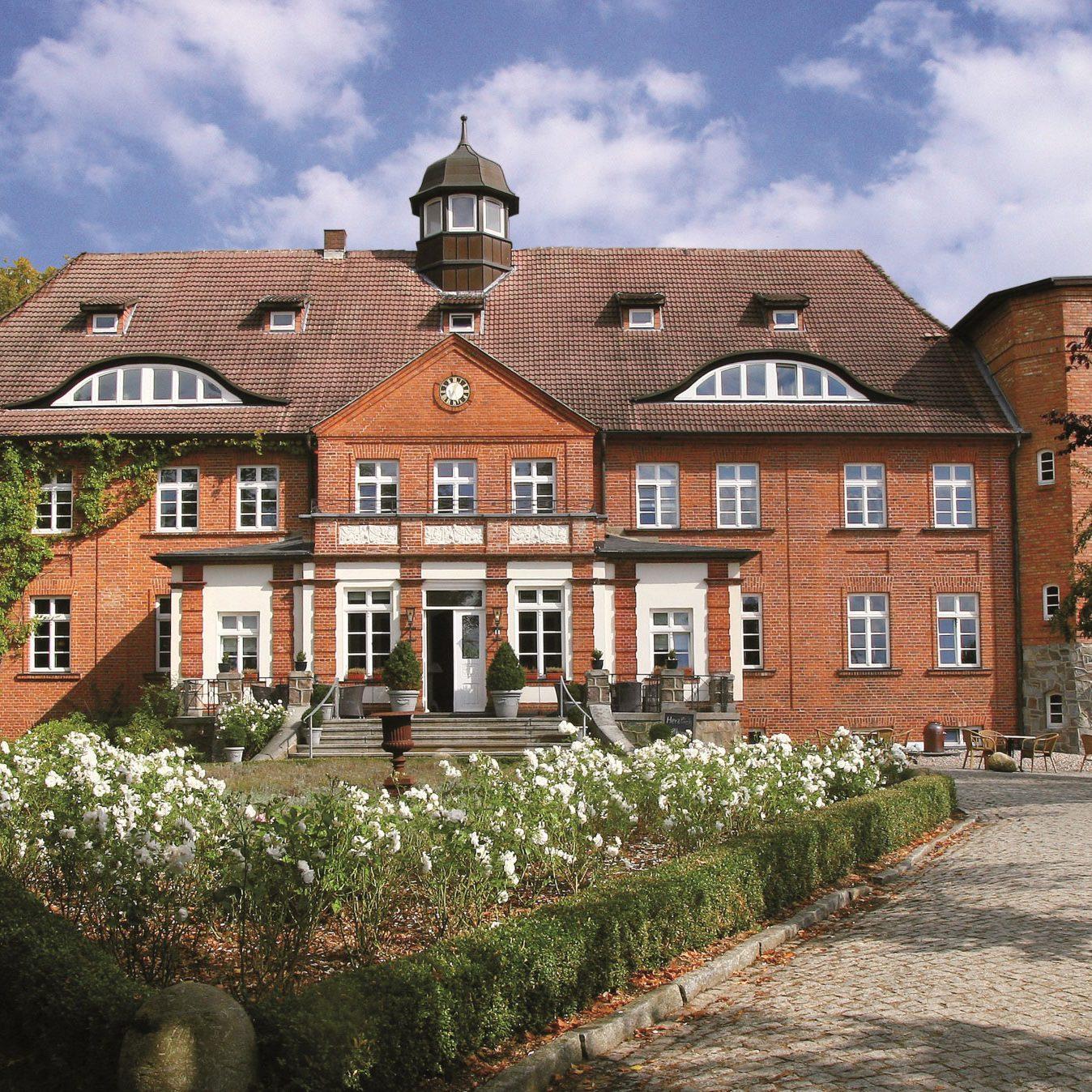 Schloss Basthorst Außenansicht.Bild_PR_Schloss_Basthorst.jpg