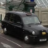 Motel One Edinburgh - Original schottisches Taxi