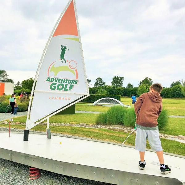 Adventure-Golf-Surfboard