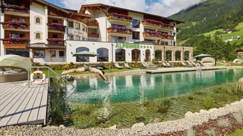 Alpeiner-Sommer-Naturpool Foto: Hotel Alpeiner