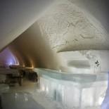 Coole Eisbar im Arctic Snow Hotel