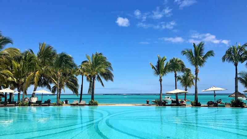 Beachcomber Paradis Pool zum Indischen Ozean, © Foto: Andrea Fischer