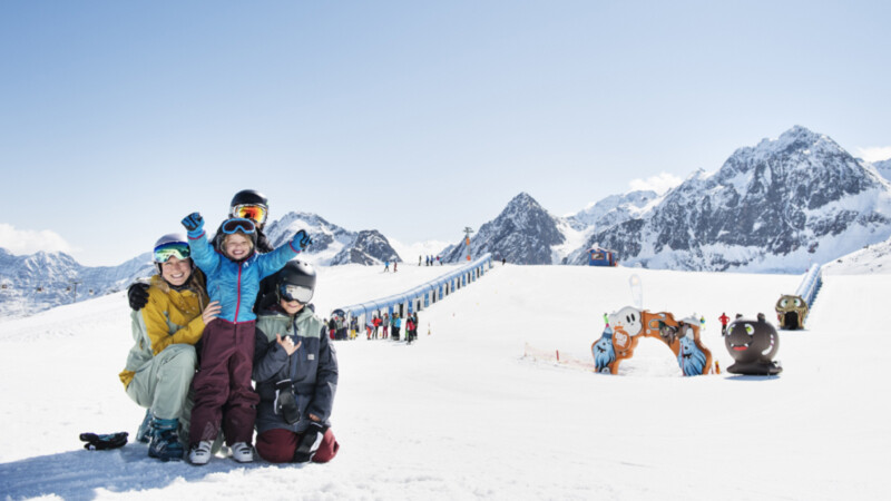 Big-Family-Stubaier-Gletscher-Andre-Schoenherr-Skicamp
