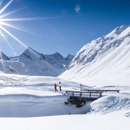 Spaziergang im Schnee in Obergurgl-Hochgurgl Tirol