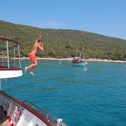 Sprung ins Meer - Blaue Reise Kroatien