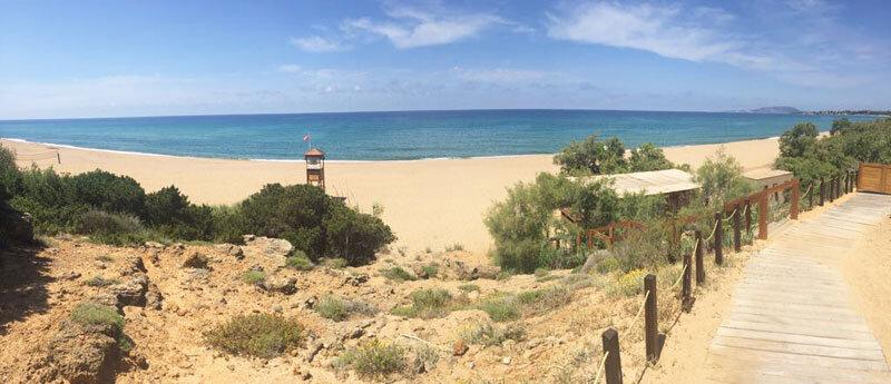 Costa Navarino Strand