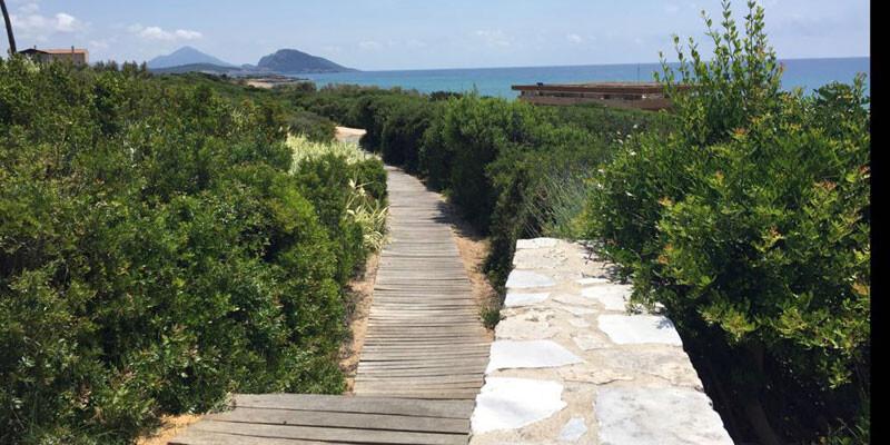 Costa Navarino Resort - Weg zum Strand