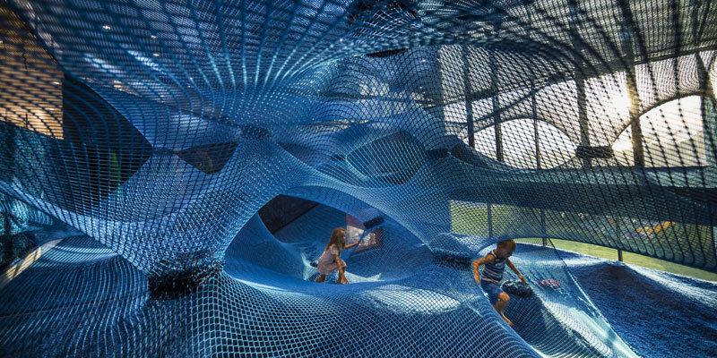 family-hotel-amarin-blaues-kletternetz