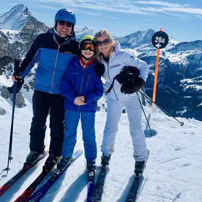 Family in Obertauern- 26a, schwarze Piste @ Foto: Trips4Kids.de, Andrea Fischer