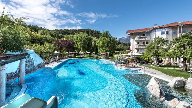 Gartenhotel Moser Aussenansicht - Familienhotels Südtirol