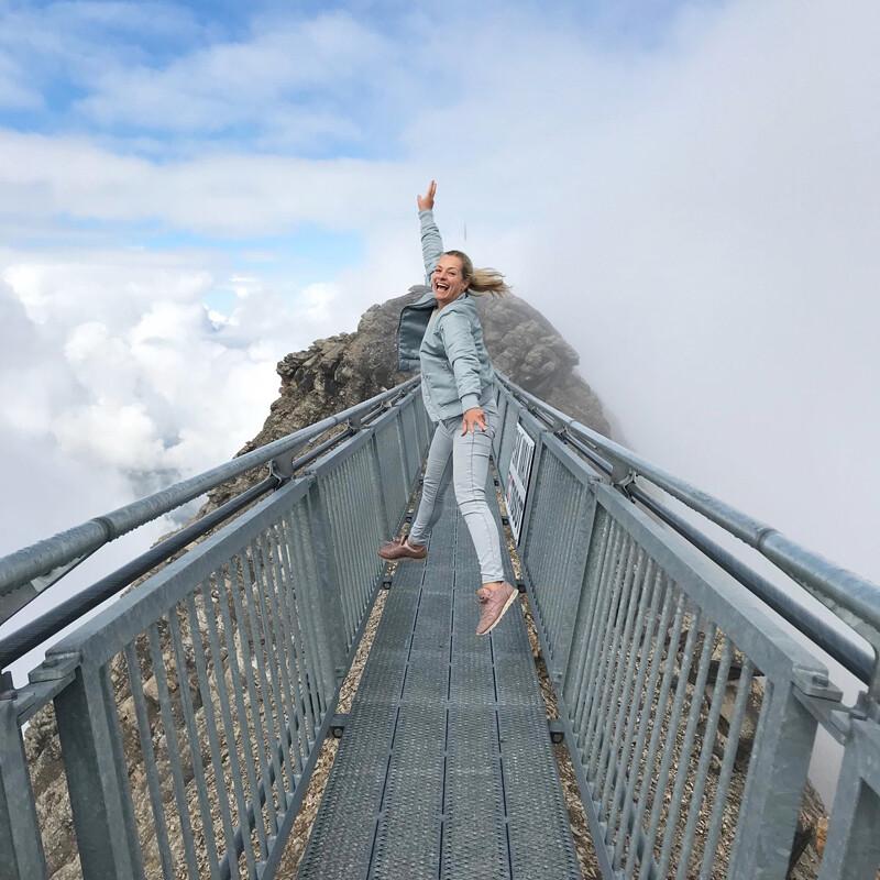 Glacier3000-Walk, Sprung auf der Hängebrücke ©Foto: Andrea Fischer