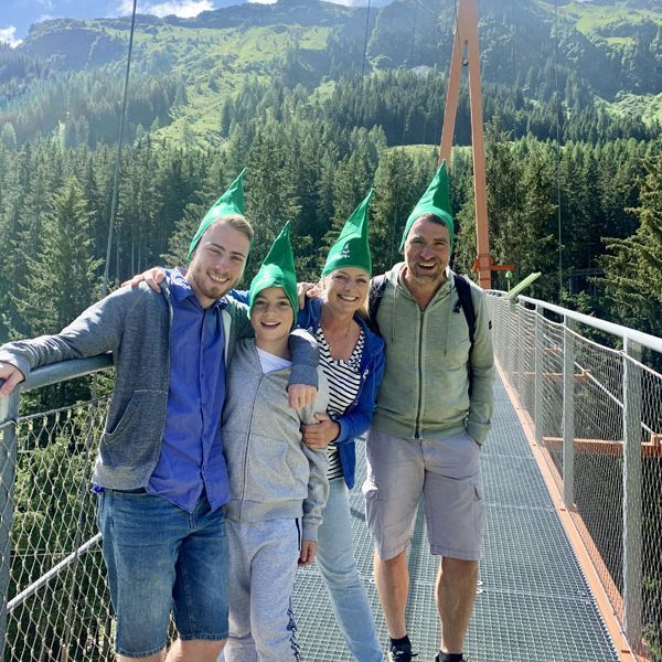 Family, Baumwipfelpfad, Golden-Gate-der-Alpen Saalbach-Hinterglemm @ Foto: Andrea Fischer