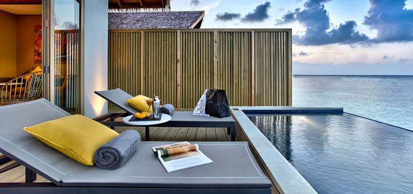 HRH-Maldives_Platinum-Overwater-Pool-Villa.Bild-Crossroads