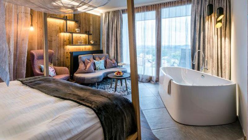 Hotel Huettenhof Suite mit Badewanne