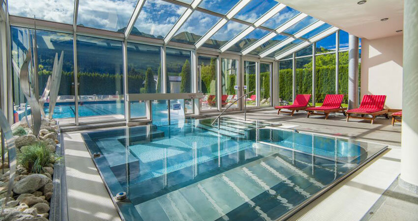 Poolbereich im Impuls Hotel