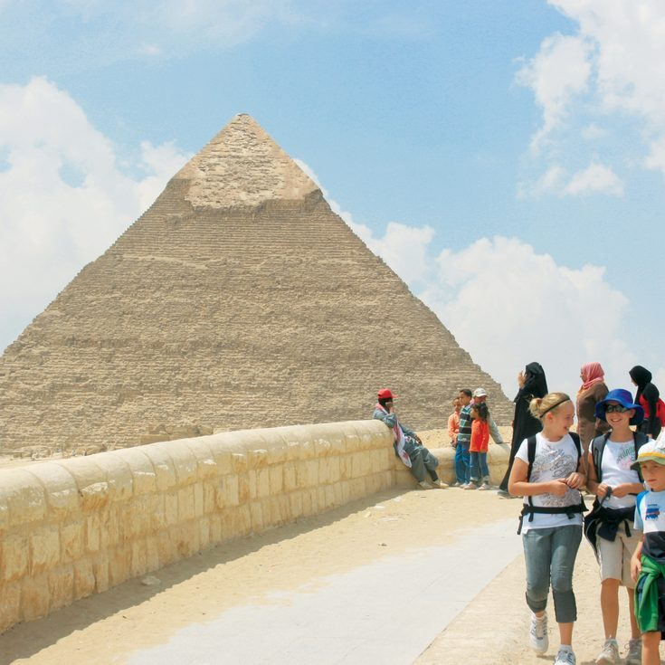 Intrepid Travel-egypt_pyramids_family_Credit Geoff Manchester