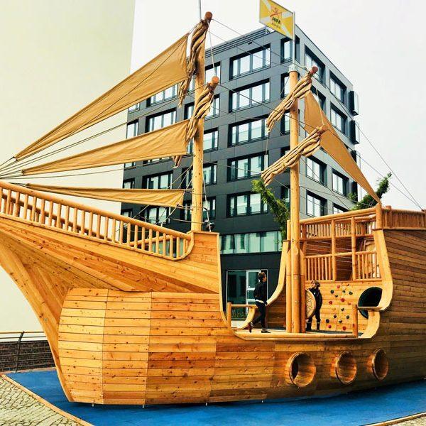 XXL-Holz-Kletterschiff, JUFA-Hotel Hamburg Hafen-City © Foto: Andrea Fischer, Trips4Kids.de