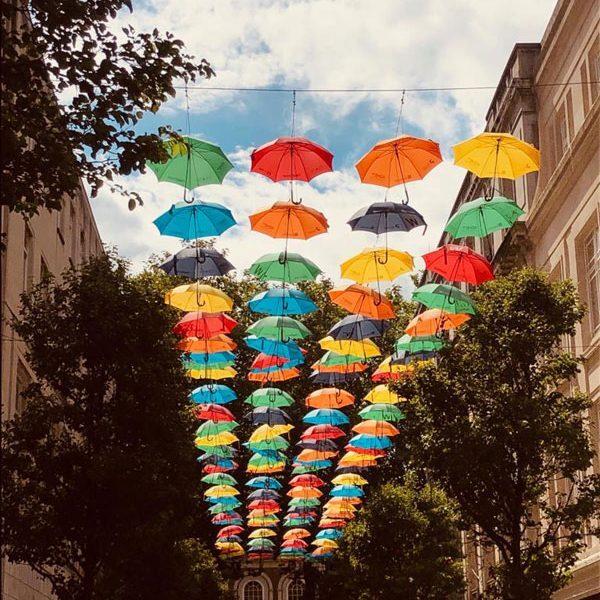 Liverpool-Umbrellas.Bild.SMH-Trips4kids.3