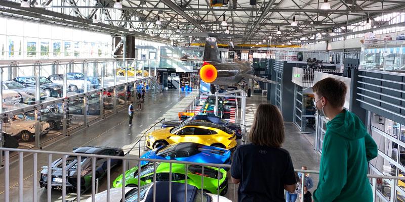 Motorworld-Stuttgart-Ausstellungshalle Foto: © Andrea Fischer, Trips4Kids.de