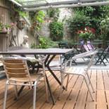 House Trip Paris - Terrasse mit Möbeln