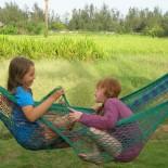 Dune Resort Indien - Lili und Tara in der Hängematte